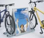 AW 5000 kerékpártároló reklámtáblával
